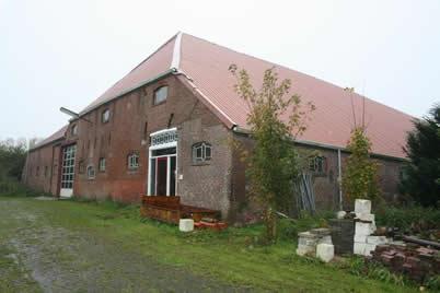 De villaboerderij hoofdweg 95 te nieuw beerta for Boerderij met stallen te koop